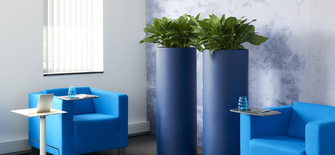 Planten op kantoor parel-pedestal-43x117-ral-5003-stumpf-matt.jpg